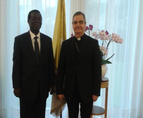 ambassadeur_doyen_corps_diplomatique
